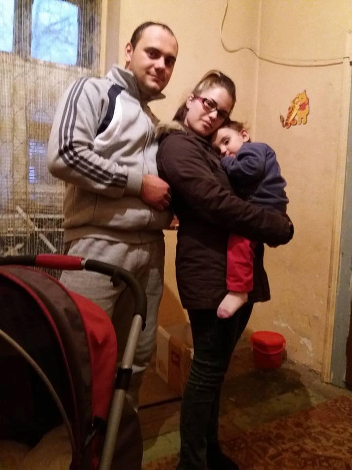 tata singur cu 3 copii are nevoie de ajutorul nostru